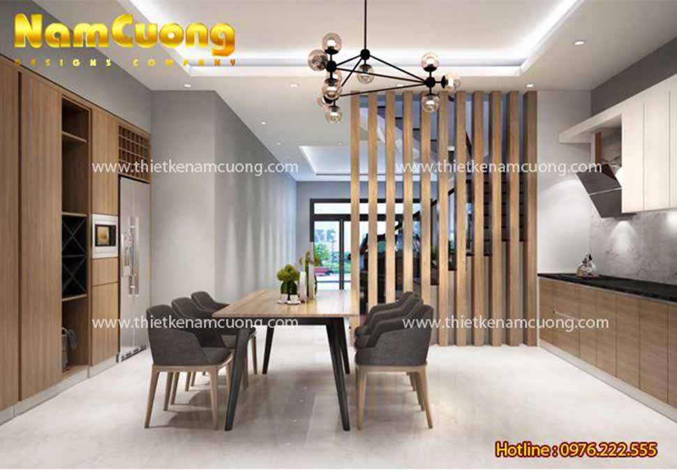 Phòng bếp rộng rãi cùng không gian tầng với phòng khách