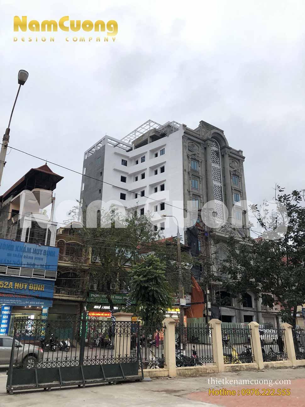 xây khách sạn tân cổ điển