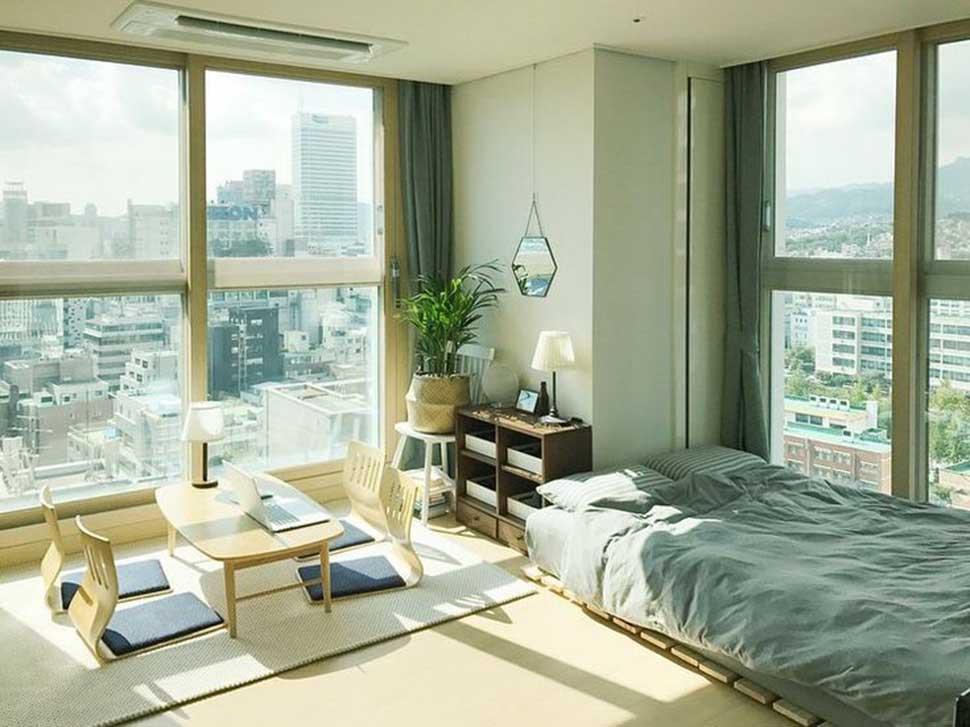 Mẫu phòng ngủ có nhiều cửa kính